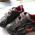 детская обувь с огоньками